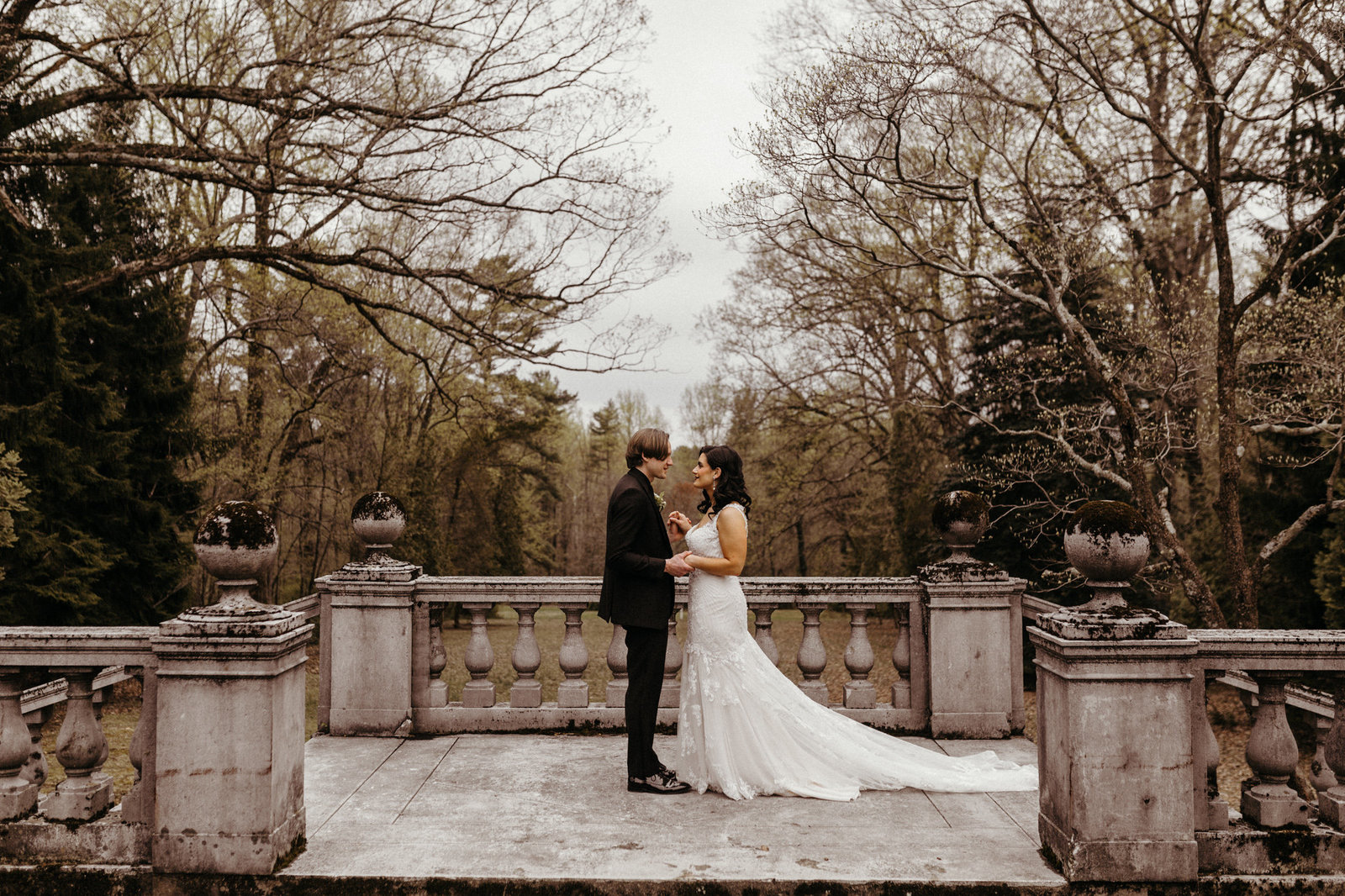 Romantic_Haunted_Haus_Moody_Strong_Mansion_Maryland_Wedding_Photographer-photo-70