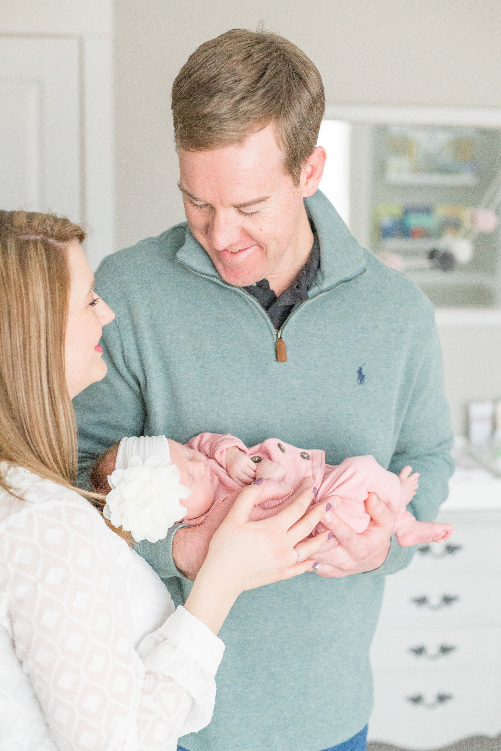 martin-family-lifestyle-in-home-newborn-baby-photo-session-004