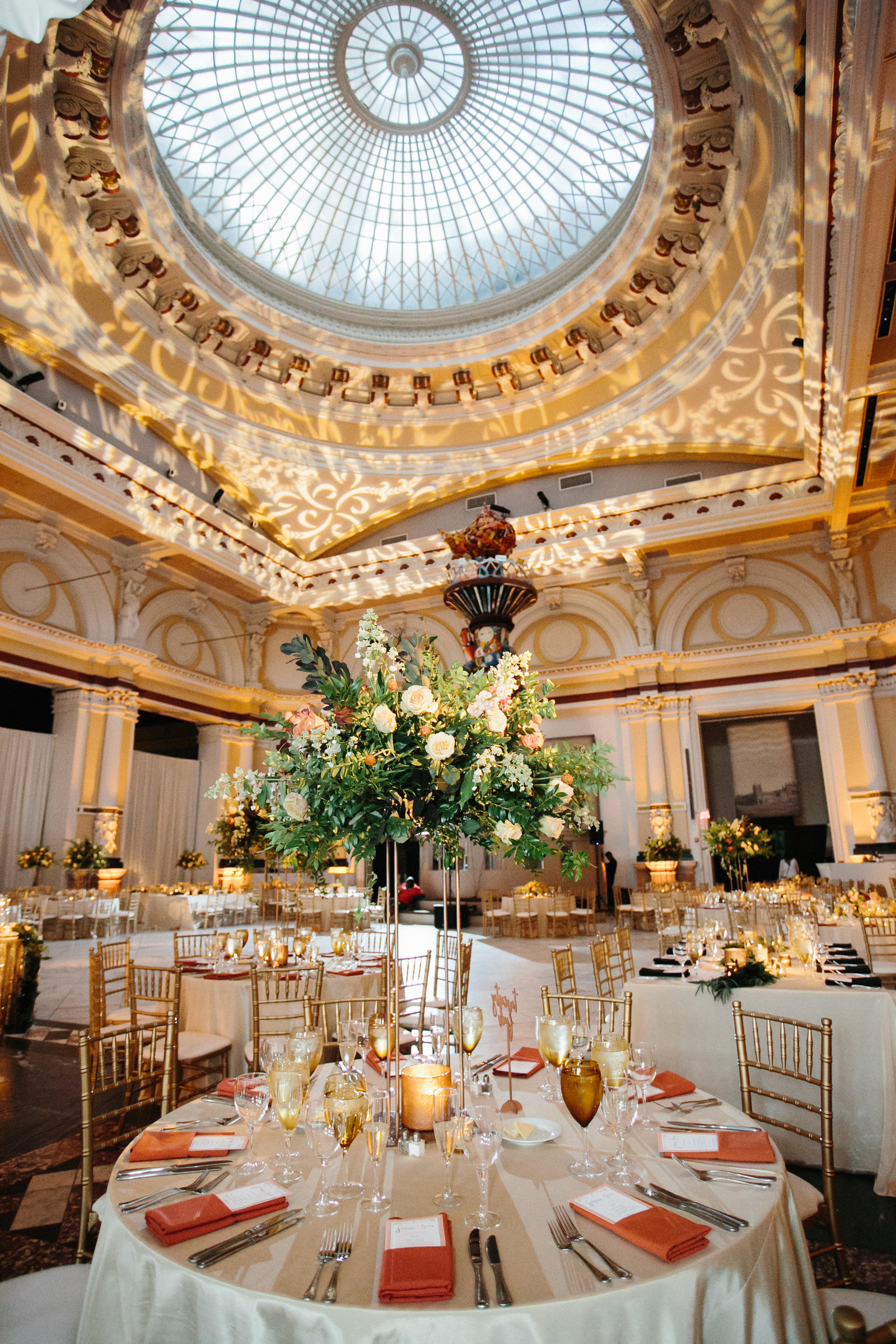 Elegant dining room for this Philadelphia Museum wedding!