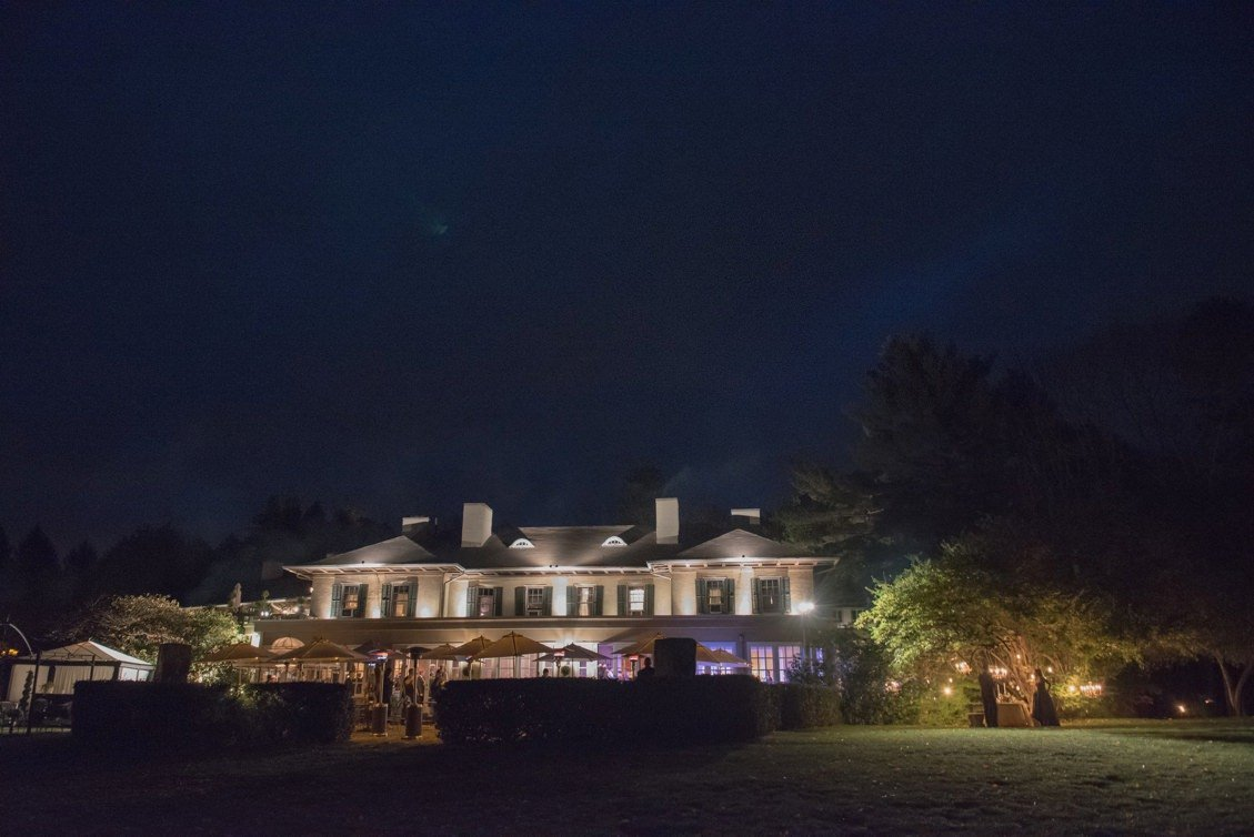 Evening wedding at Lord Thompson Manor