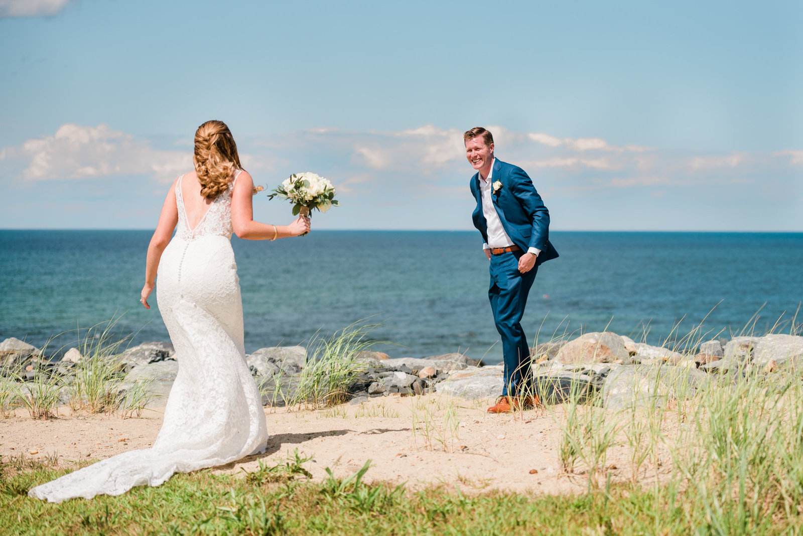 Wedding couple has a first look at their wedding on the Gurnet in Duxbury MA