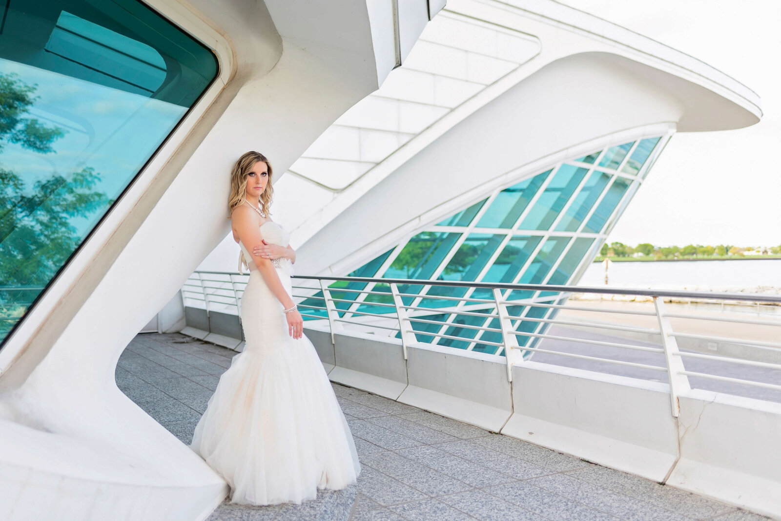 Wedding-Photographer-Discovery-World-Milwaukee-Wisconsin-54
