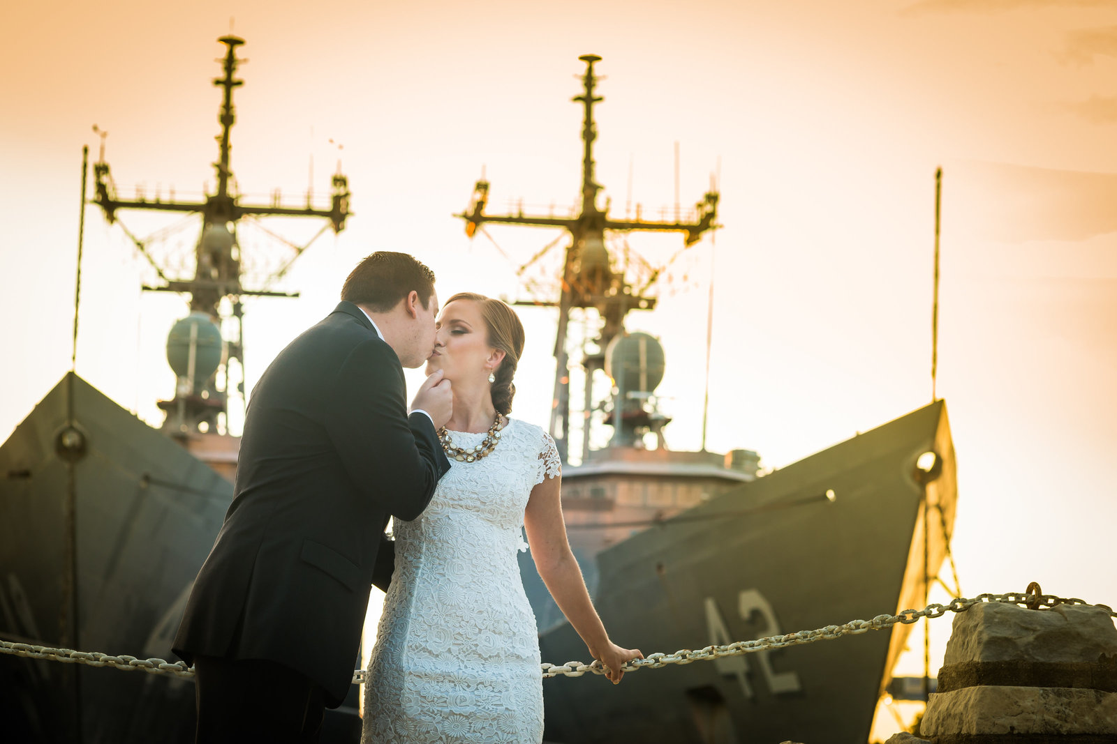 philadelphia-engagement-photographer-navy-yard-003