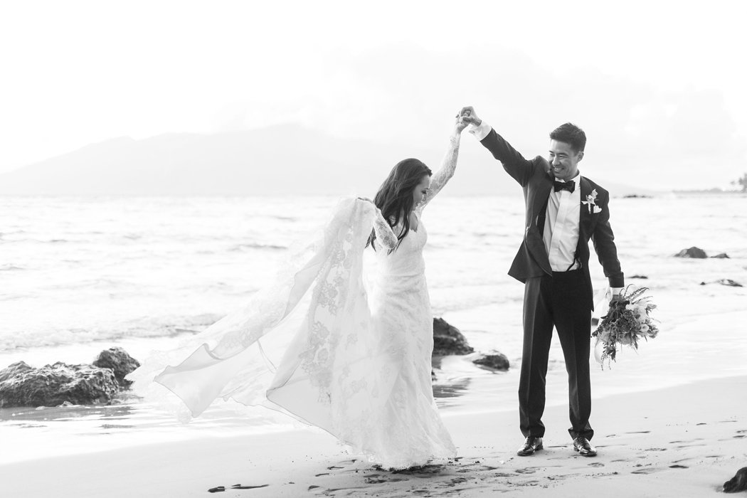W0461_Haiku-Mill-wedding_Maui-Photographer_CaitlinCatheyPhoto_0210-b&w