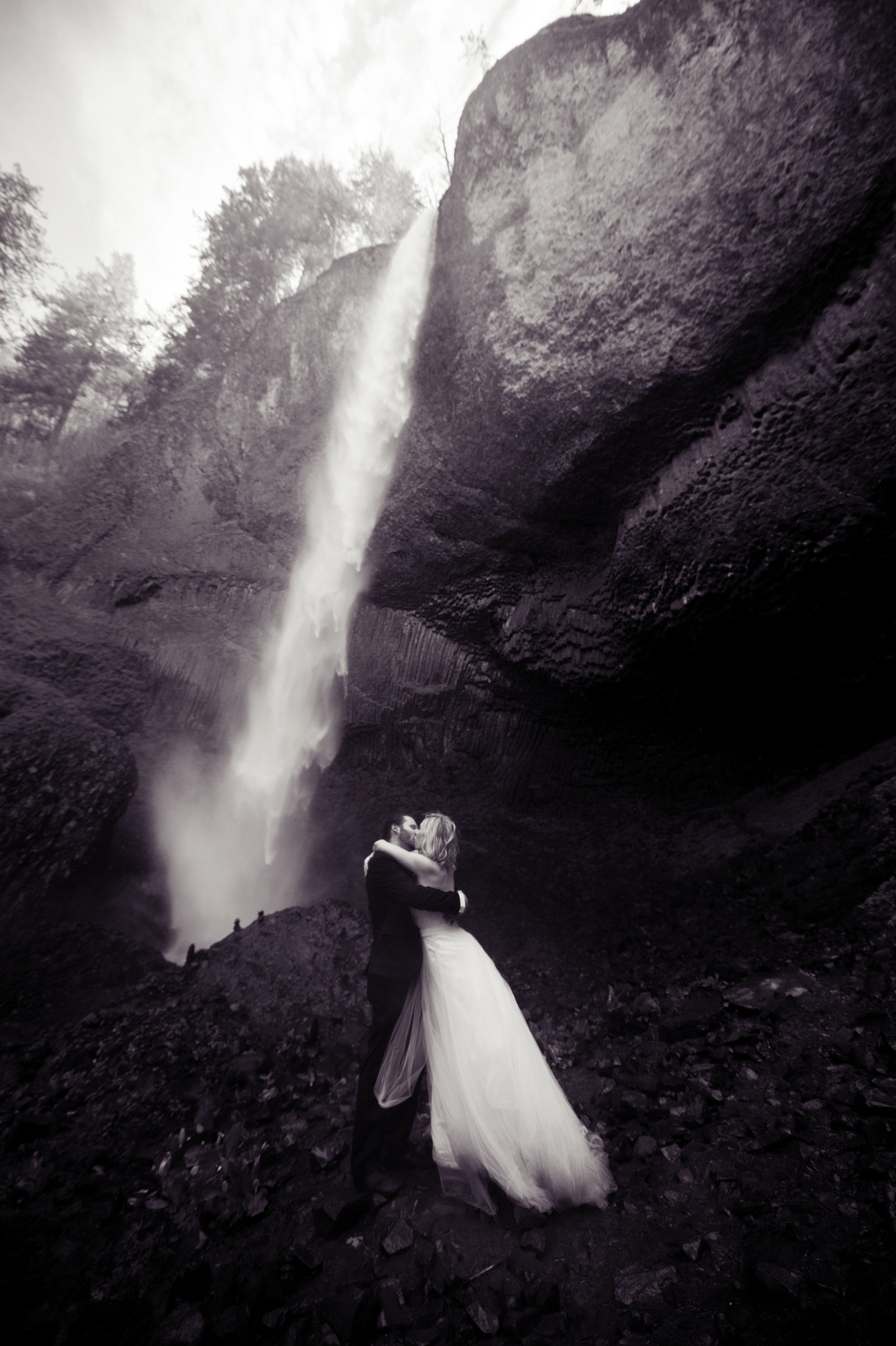 Crystal Genes Photography LATOURELL FALLS ELOPEMENT170421-160535