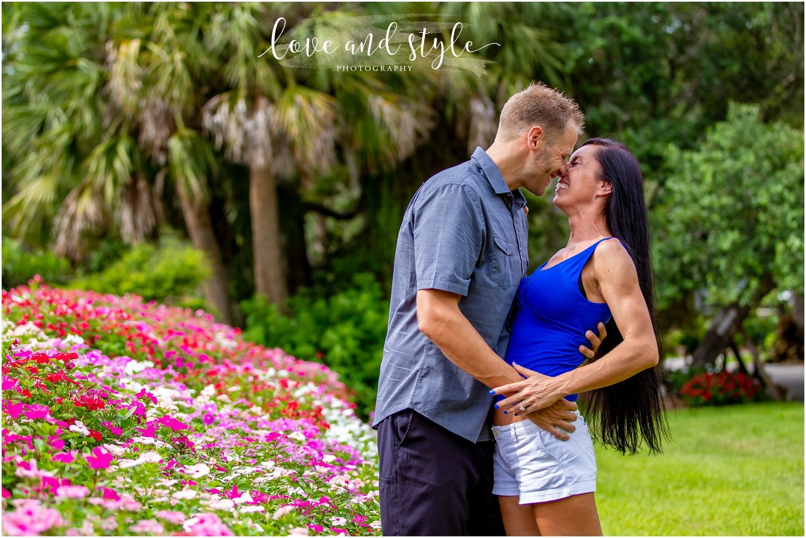 Engagement Photography at Selby Gardens with couple kissing