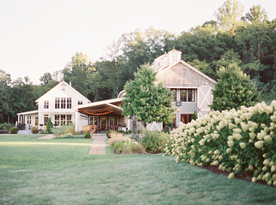 Molly-Carr-Photography-Paris-Film-Photographer-France-Wedding-Photographer-Europe-Destination-Wedding-Pippin-Hill-Farm-And-Vineyards-Charlottesville-Virginia-34
