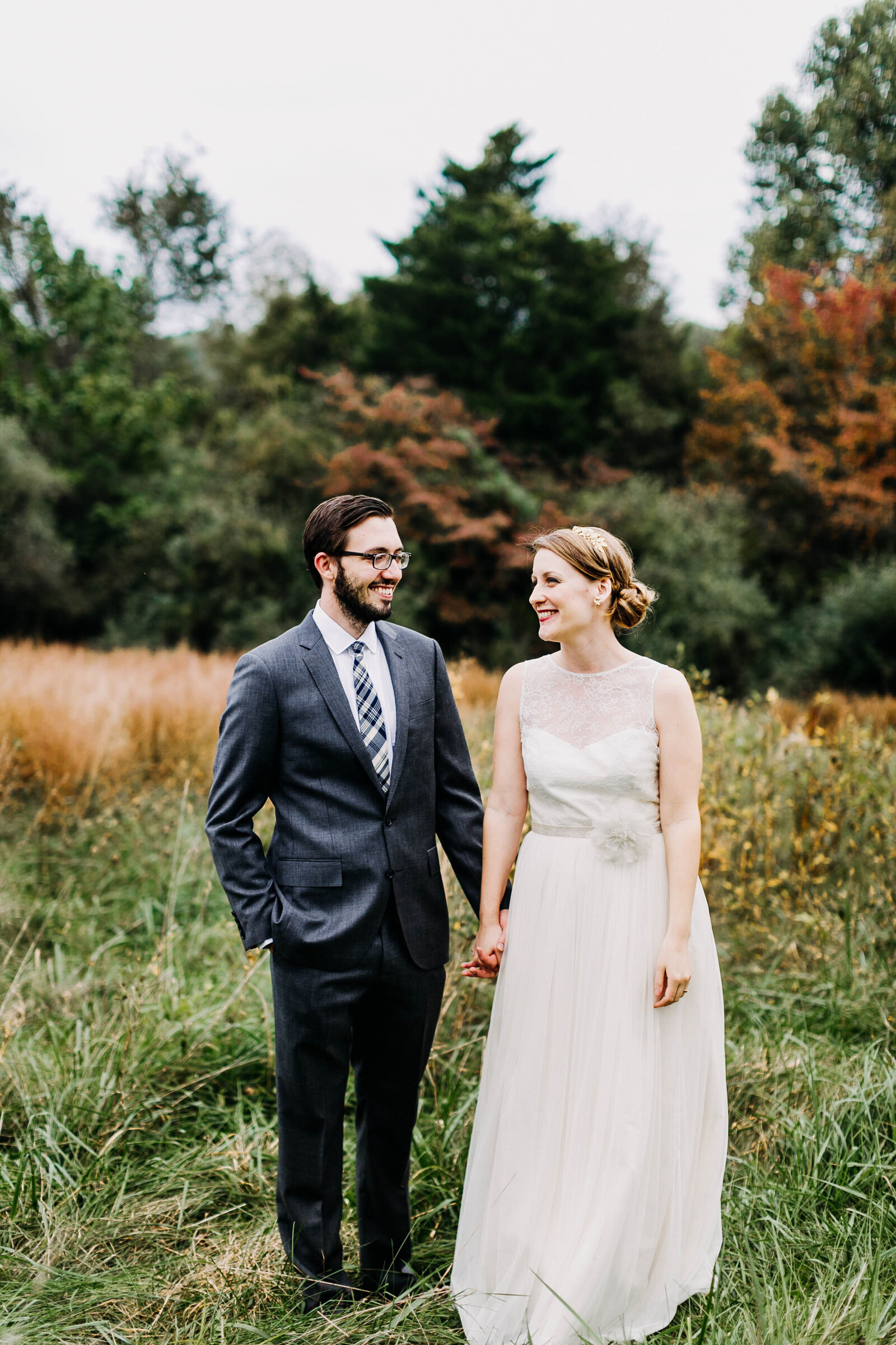 bride and groom catskills mountains fall