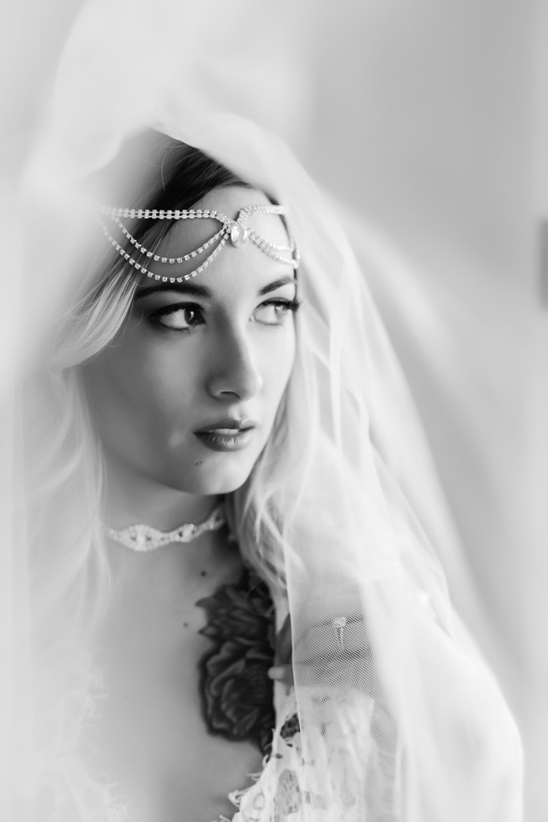 St. Louis bridal boudoir in black and white