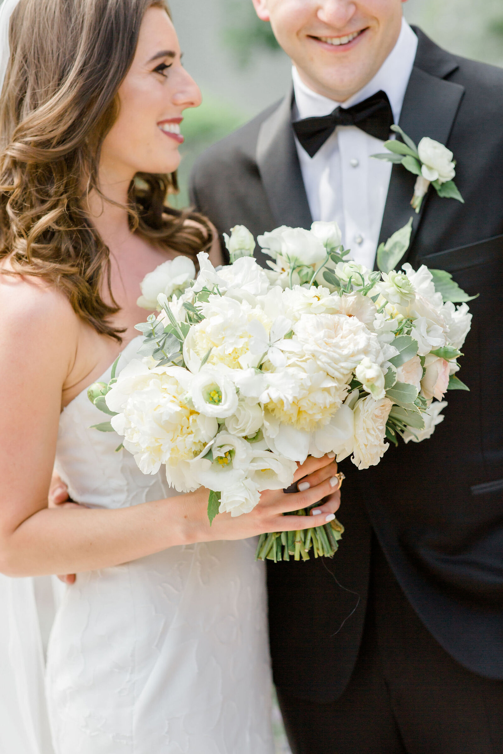 white and blush bridal bouquet, garden rose and peony, denver botanic gardens wedding, Black tie wedding, tuxedo, microwedding flowers, michelewithonel
