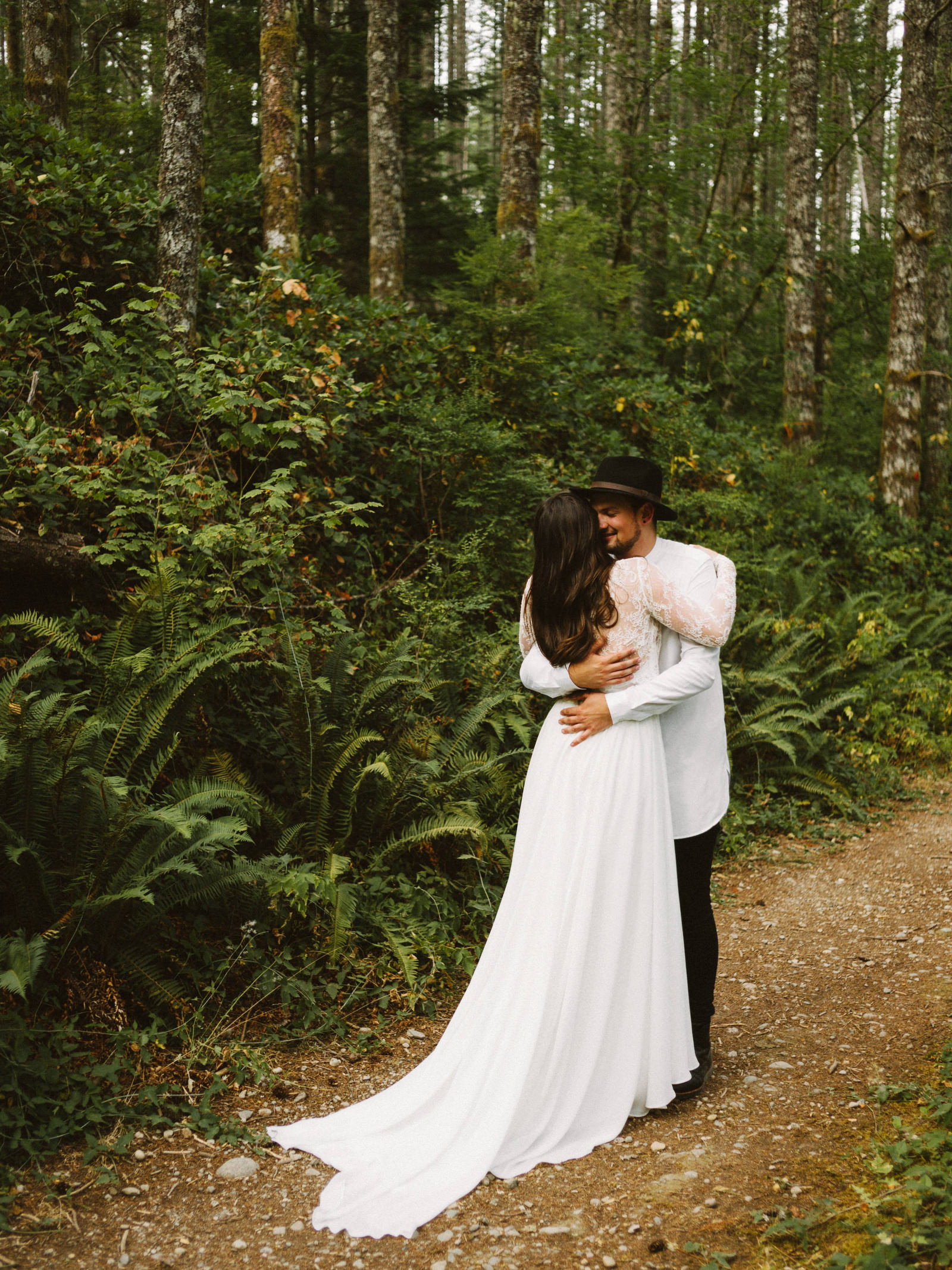 athena-and-camron-seattle-elopement-wedding-benj-haisch-rattlesnake-lake-christian-couple-goals10