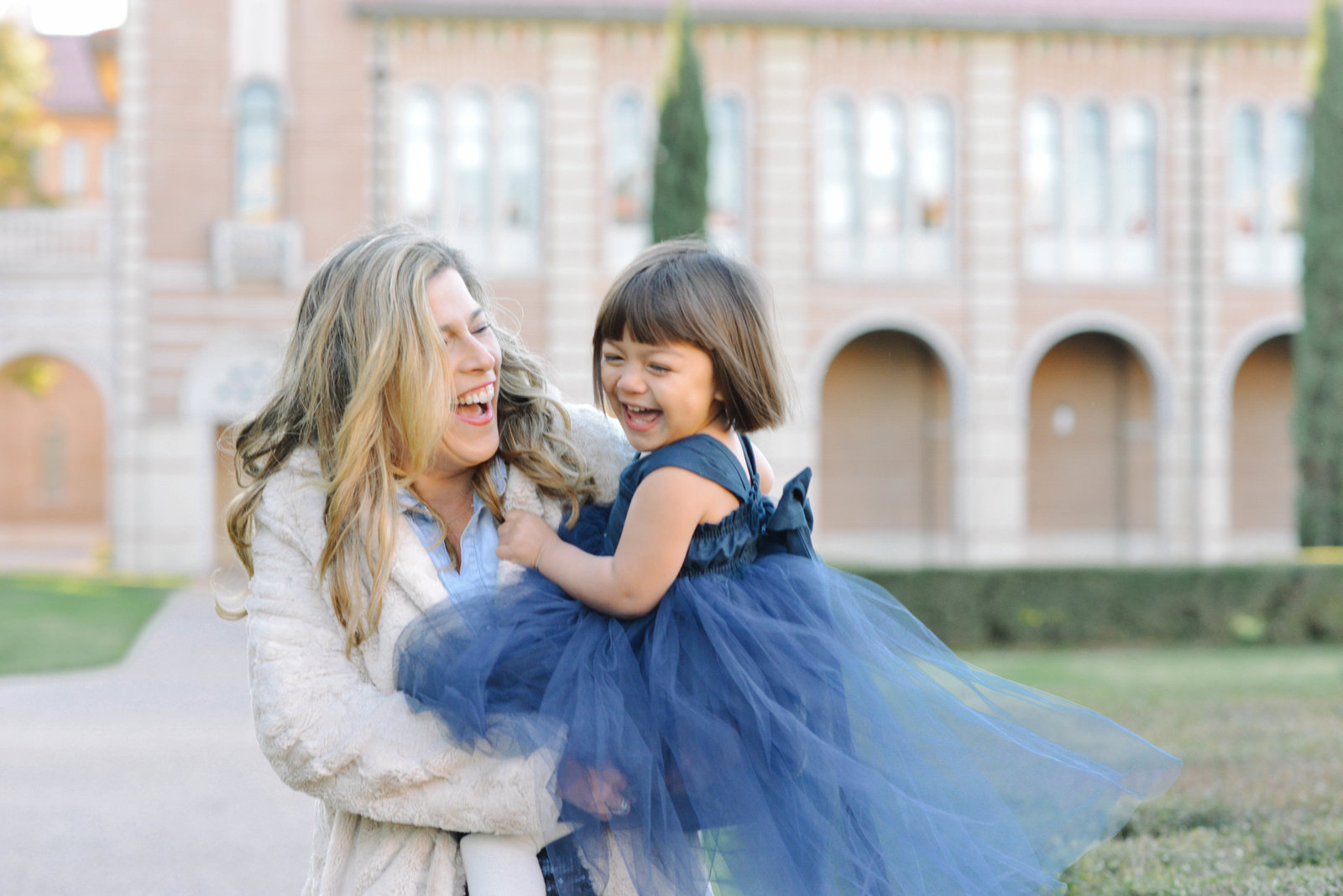 Family photos on Rice University campus