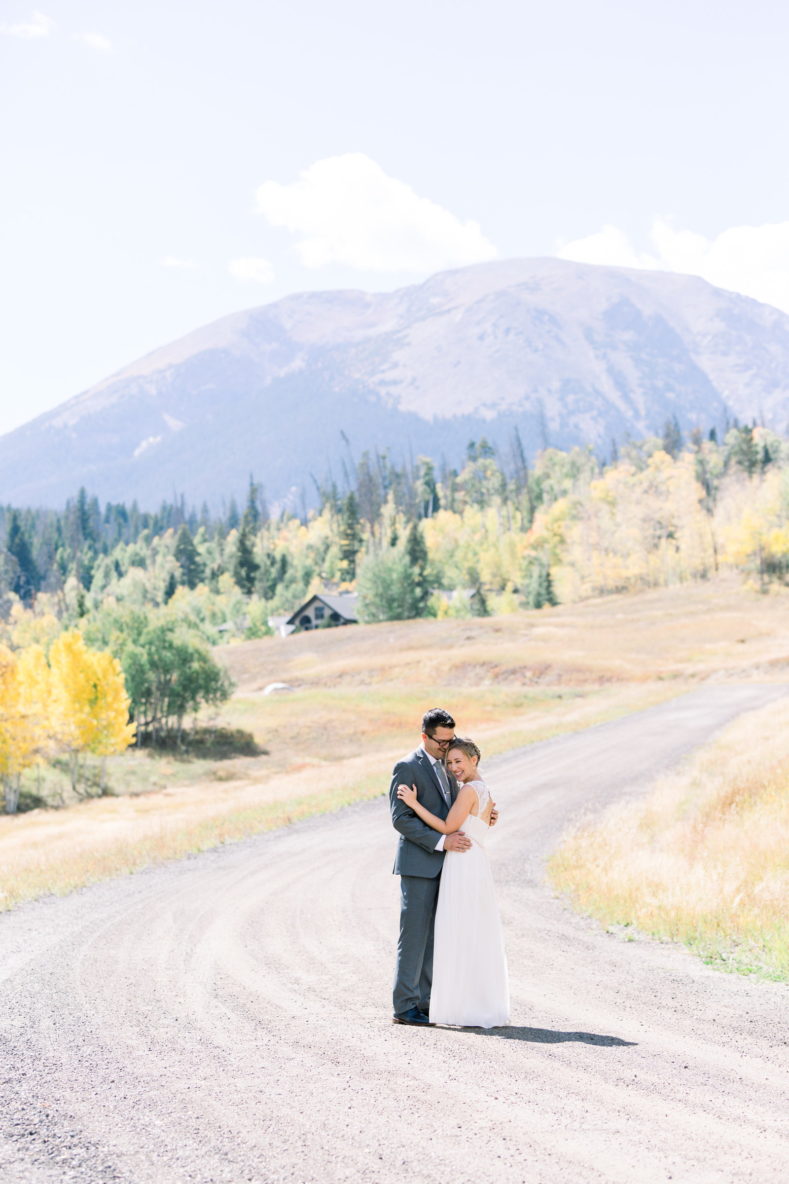 A small, intimate elopement in Lake Dillon, Colorado