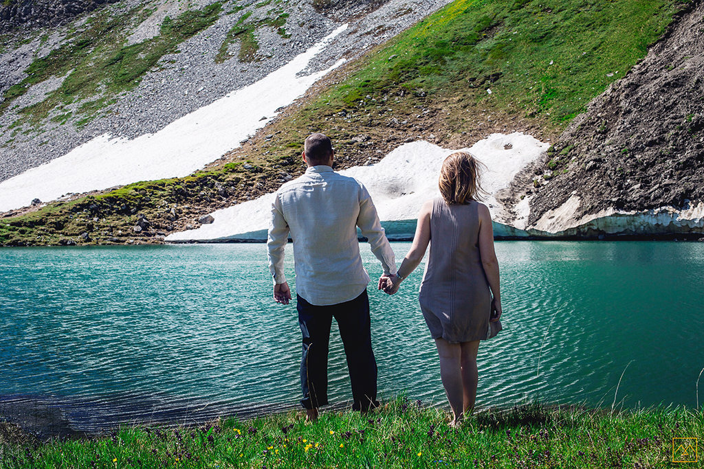 Amedezal-wedding-photographe-mariage-love-session-couple-vs-mountain-ice-lac-bleue