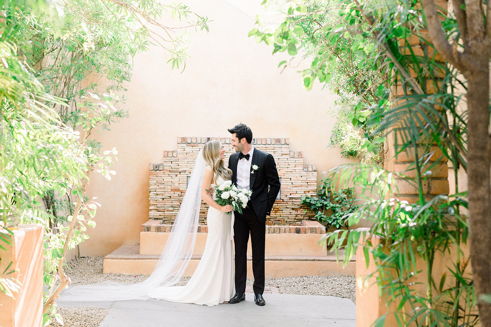 scottsdale-florist-neutral-palette-wedding