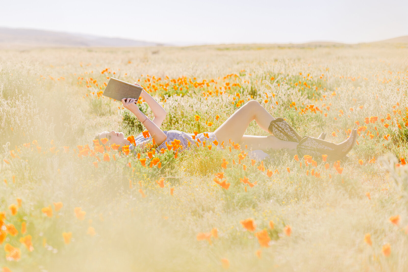 048-KBP-superbloom-Poppy-Field-girl-reading-book-001