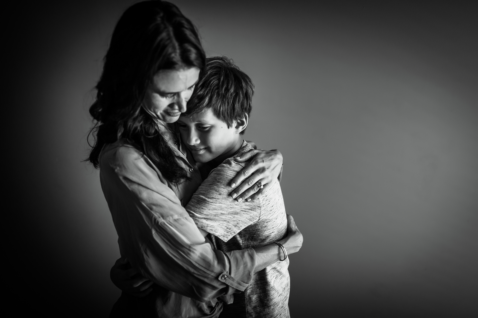 family photographer, columbus, ga, atlanta, wander years, mother and teen son hug_-2