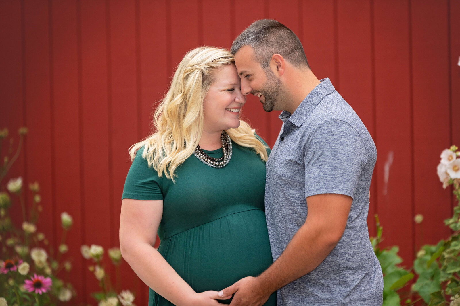 Maternity-Photo-Downtown-Cedarburg-Wisconsin-52