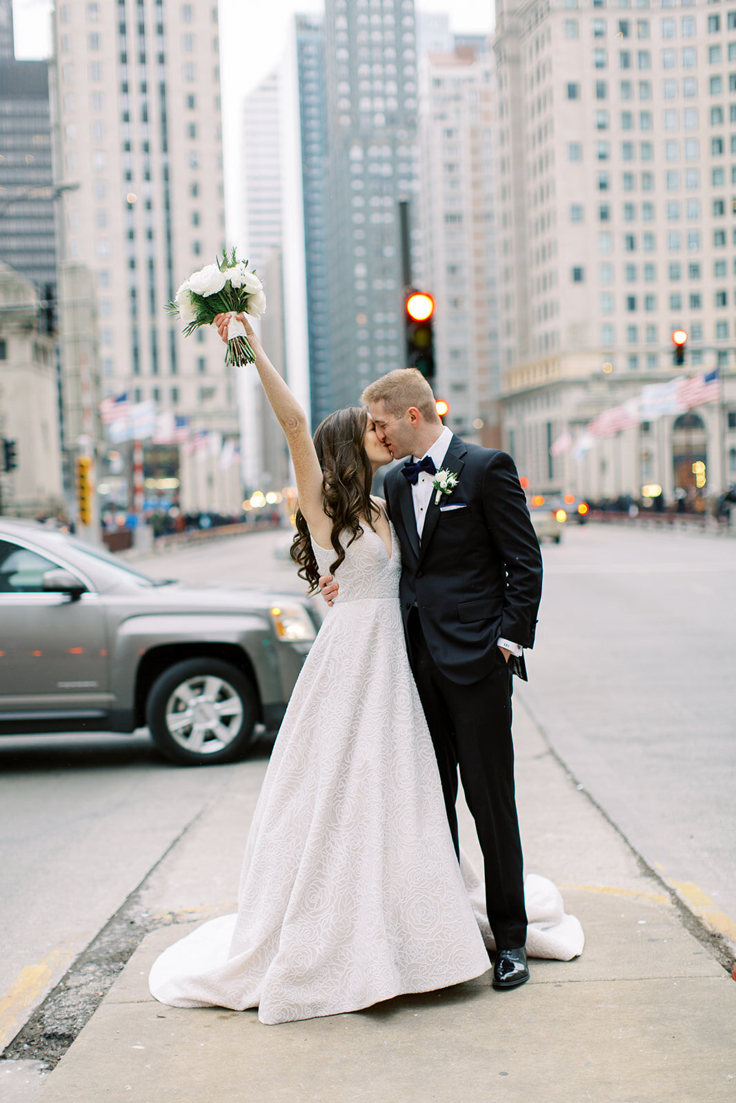 18-Venue-Six10-Wedding-couple-street