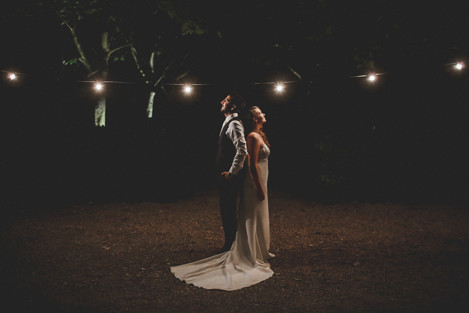 WP-BURY-COURT-BARN-NIGHT-TIME-PHOTOGRAPHY-WEDDING_0010