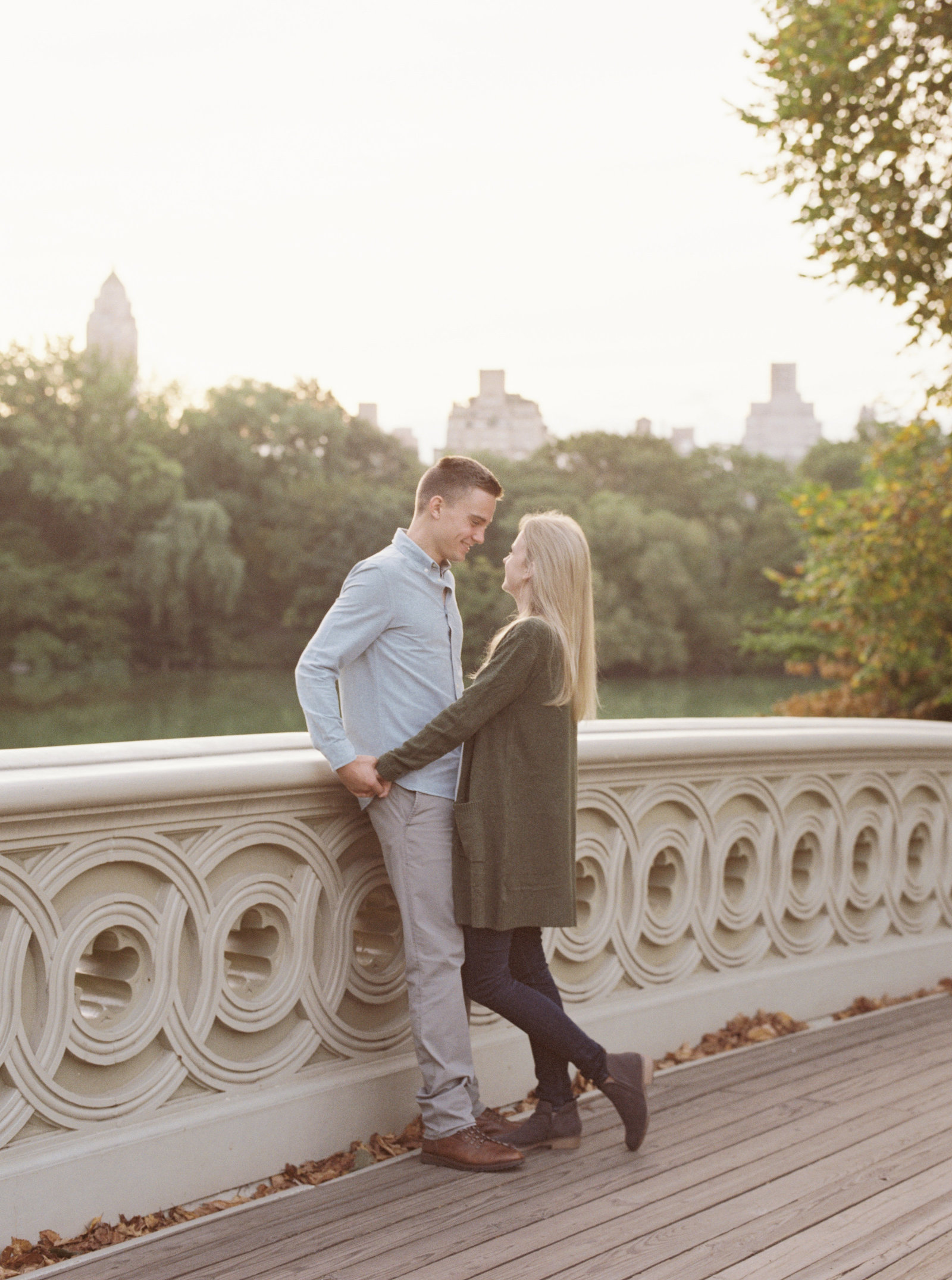 nyc-central-park-sunrise-engagement-session