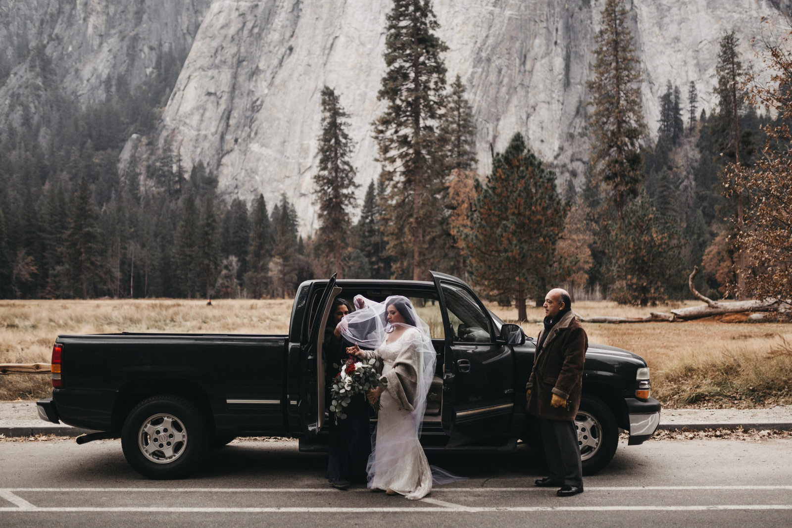 athena-and-camron-yosemite-elopement-wedding-photographer-elegent-valley-wedding3