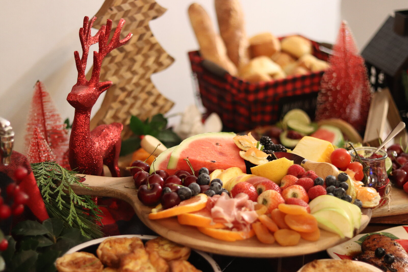 christmas catering  buffet table setting decor event planner New york city Pearl ivy events