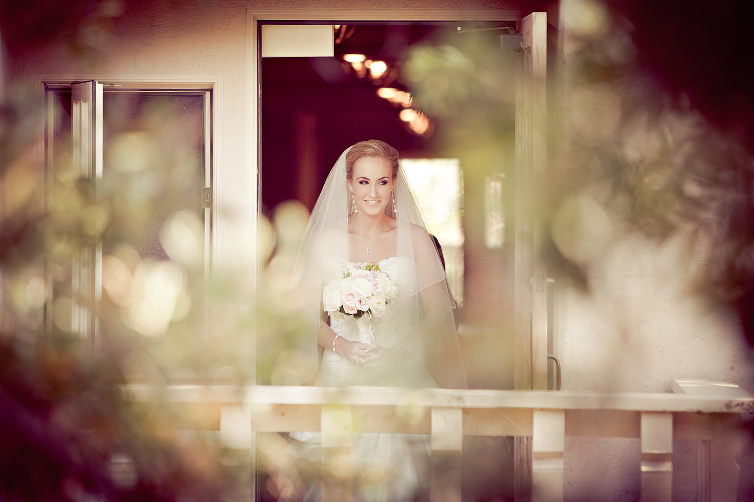Rustic and candid moment of the bride before the ceremony