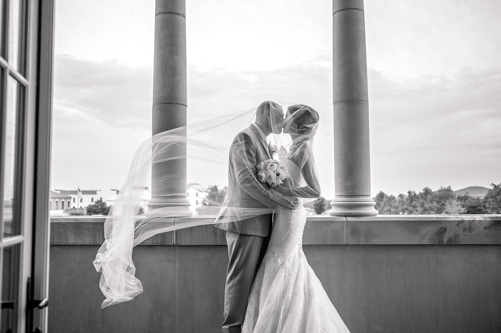 Springfield MO Wedding at Drury Stone Chapel by Photographers Turner Creative 22