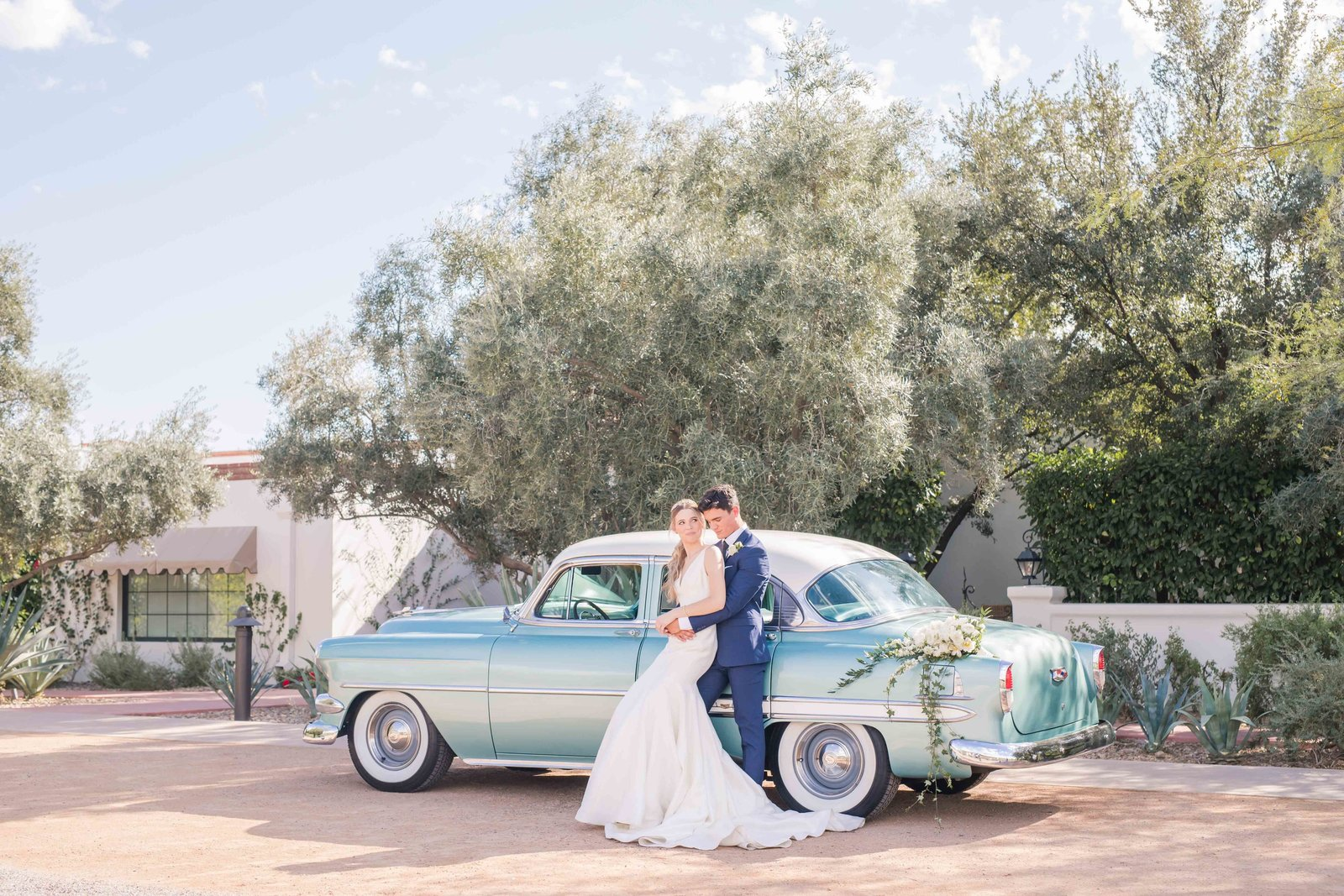 classic car and bride and groom at el chorro