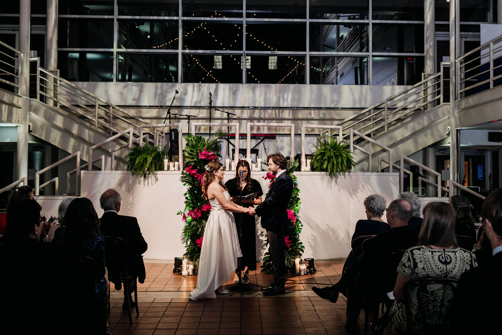 wedding ceremony with dramatic light uarts