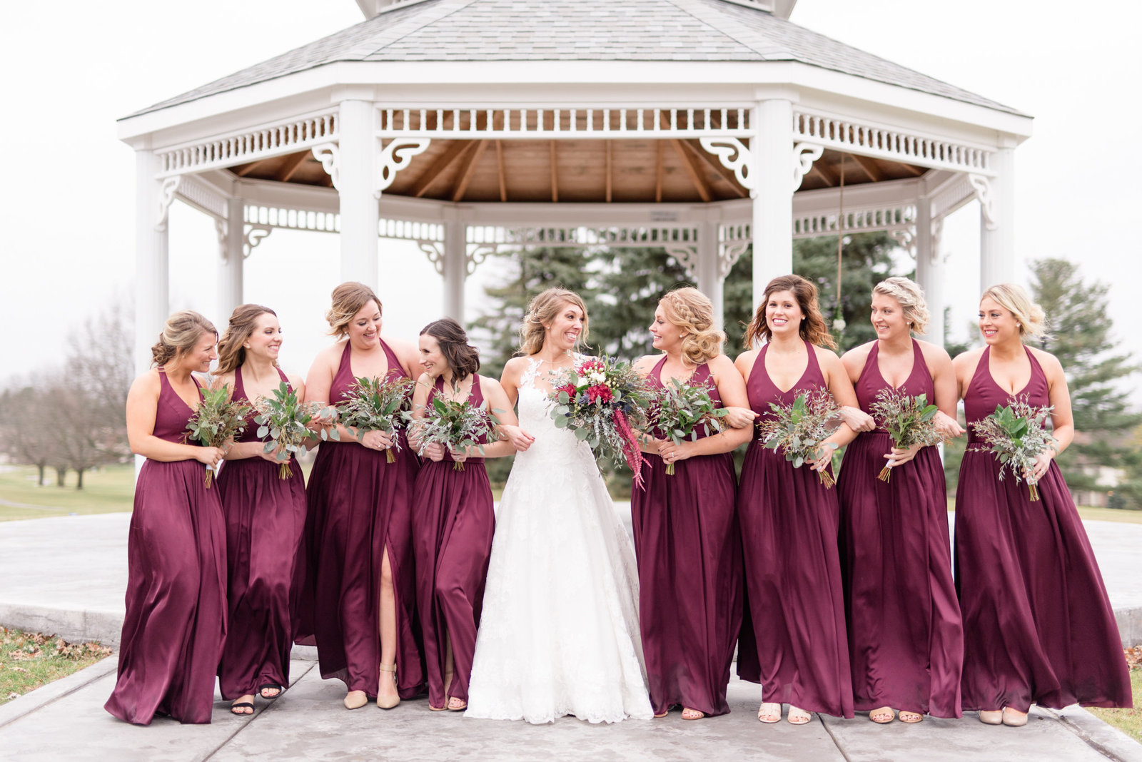 Bride-and-Bridesmaids-Pictures