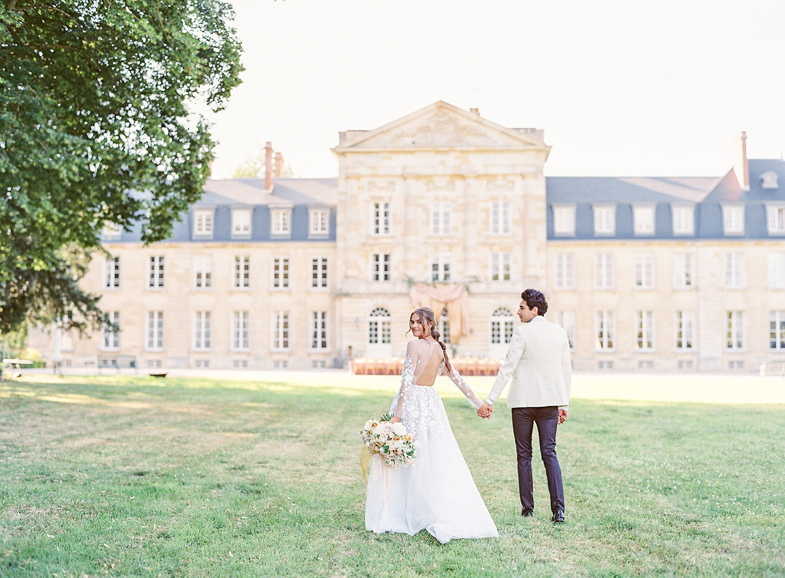 Chateau wedding in the  countryside of France