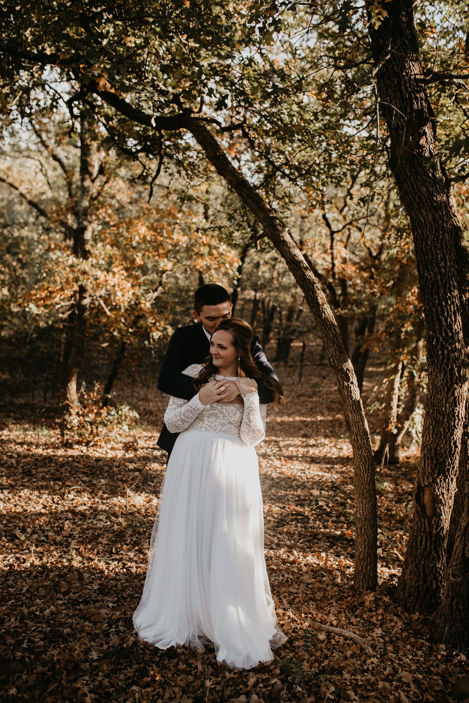 rustic chic fall wedding the springs the lodge aubrey texas moth and moonlite photography