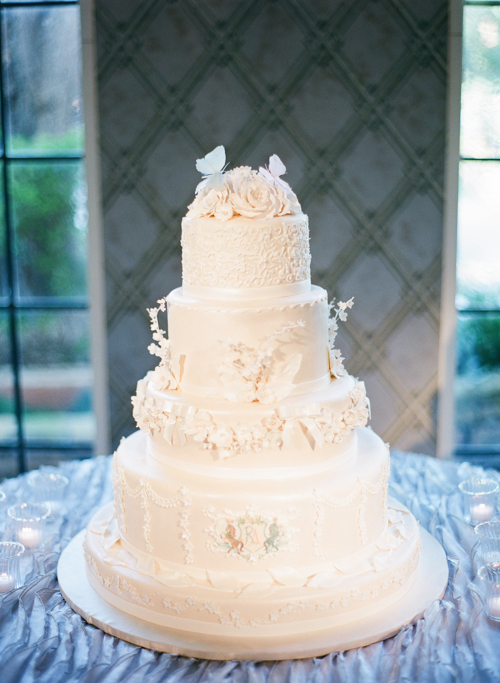 luxury wedding cake from frosted art bakery in dallas texas