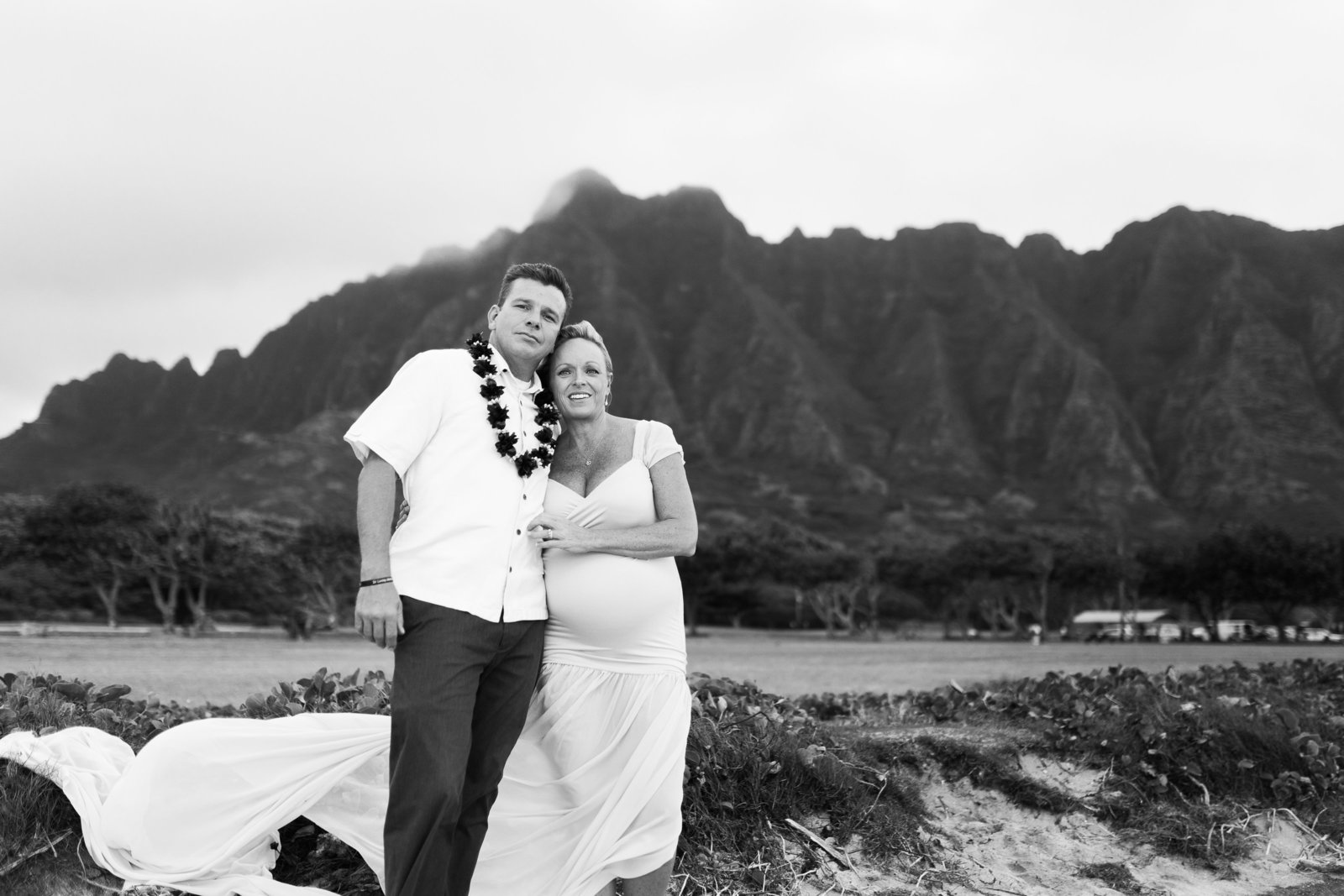 maternity Photoshoot Kualoa Beach Oahu Hawaii Brooke flanagan Photography-5