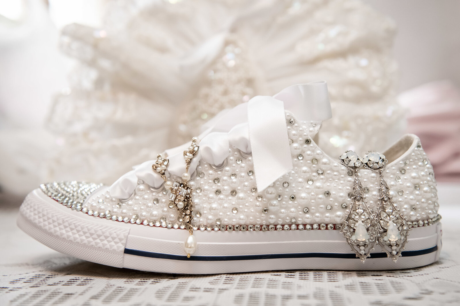 wedding-elgin-bride-bling-chucks-converse