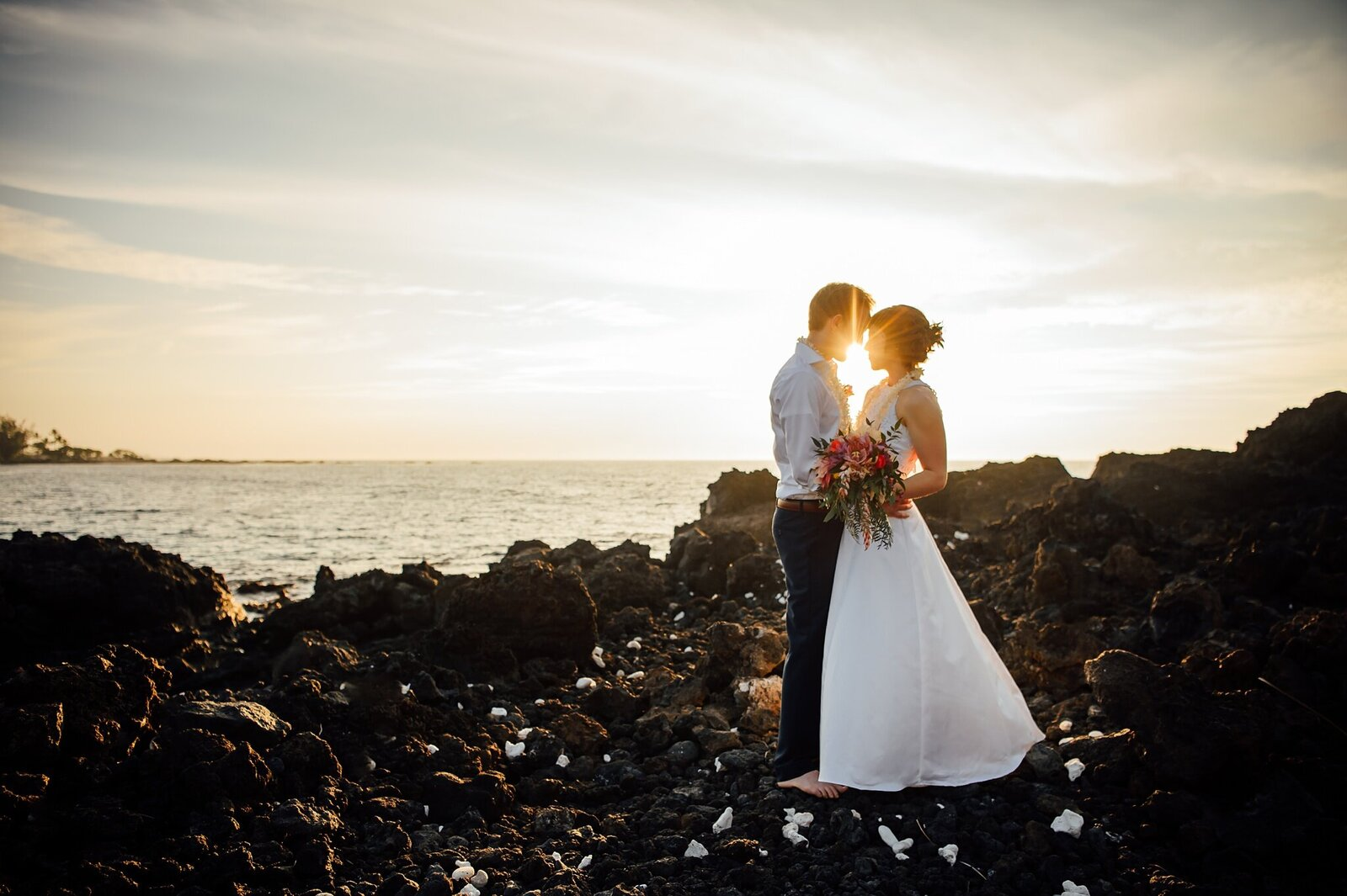 hawaii-elopement-photographer-kukio-sunset