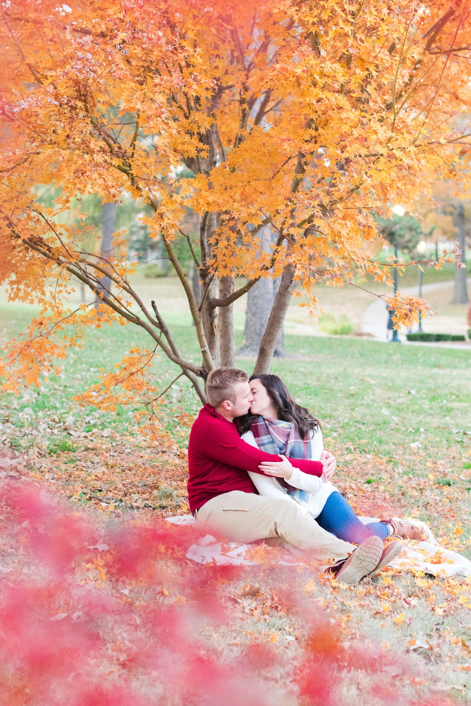 Fall_Engagement_at_WW1_Museum_and_Loose_Park_Mary_and_Matthew-59