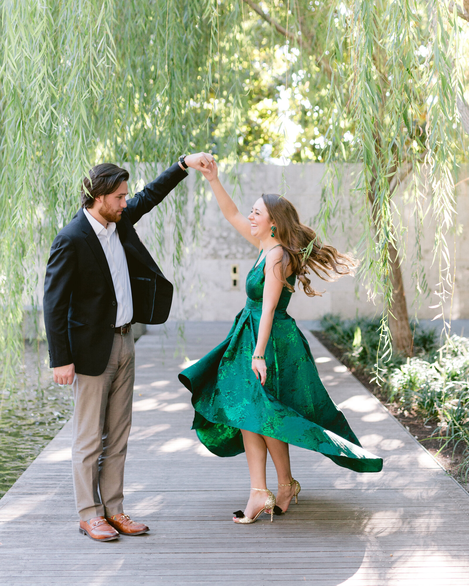 Nasher-Sculpture-Center-Engagement-Photographer-2