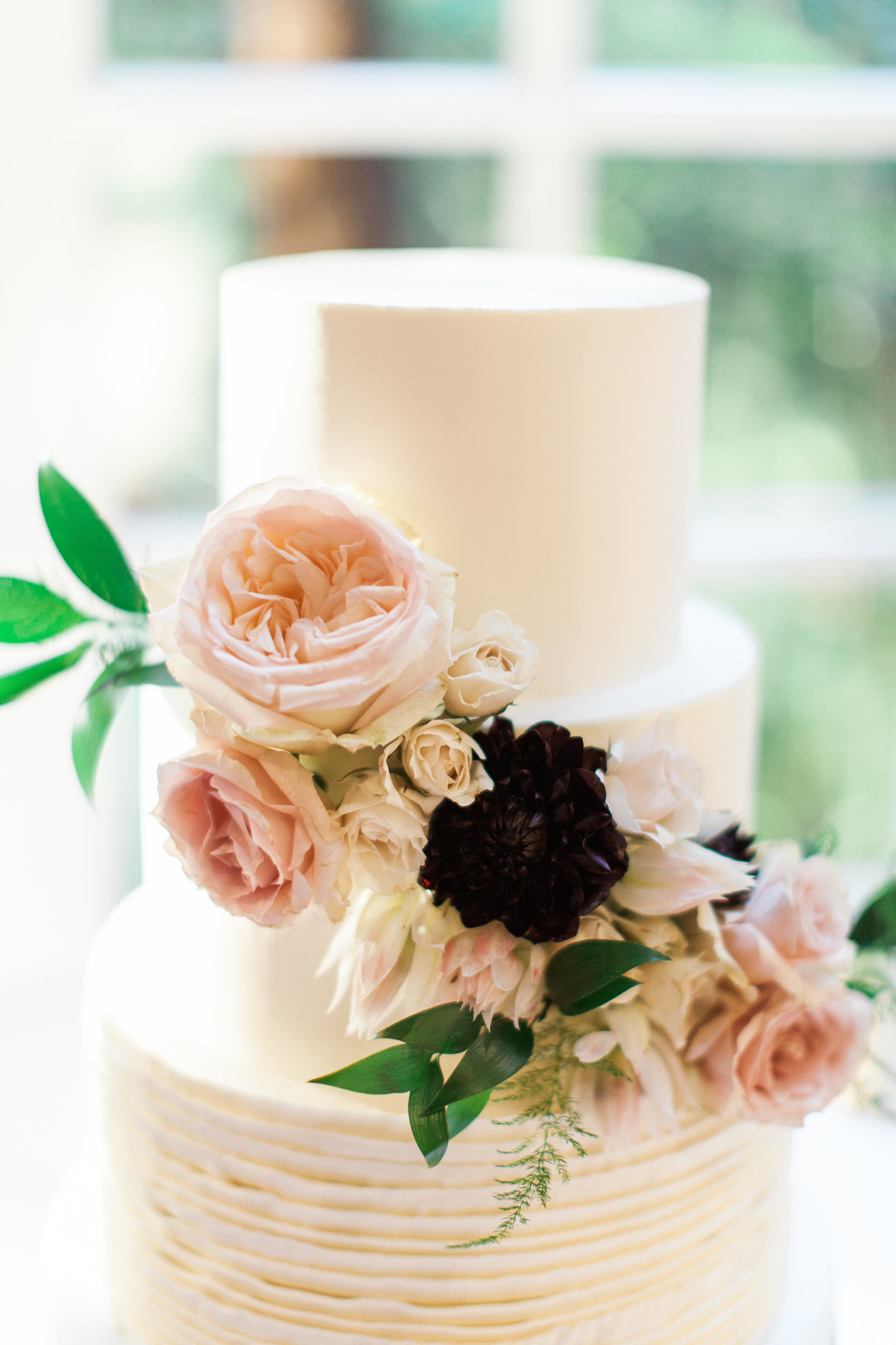 Calamigos-Ranch-Wedding-White-Pink-Floral-Cake
