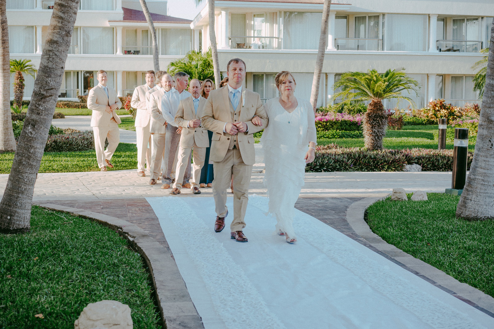 Moon-palace-cancun-wedding-405-brides-photographer