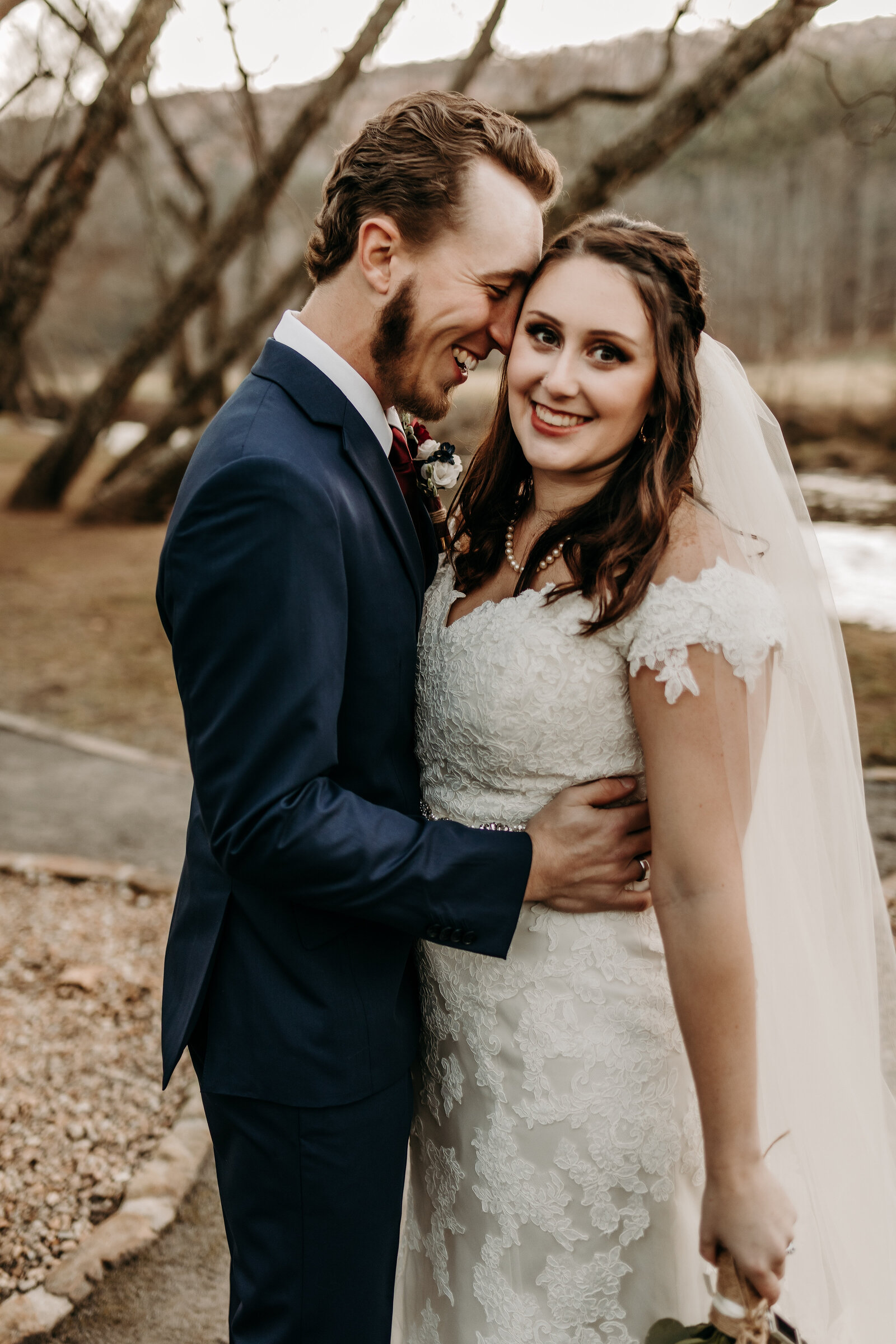 north-georgia-mountains-wedding-photography-retreat-at-hiawassee-river