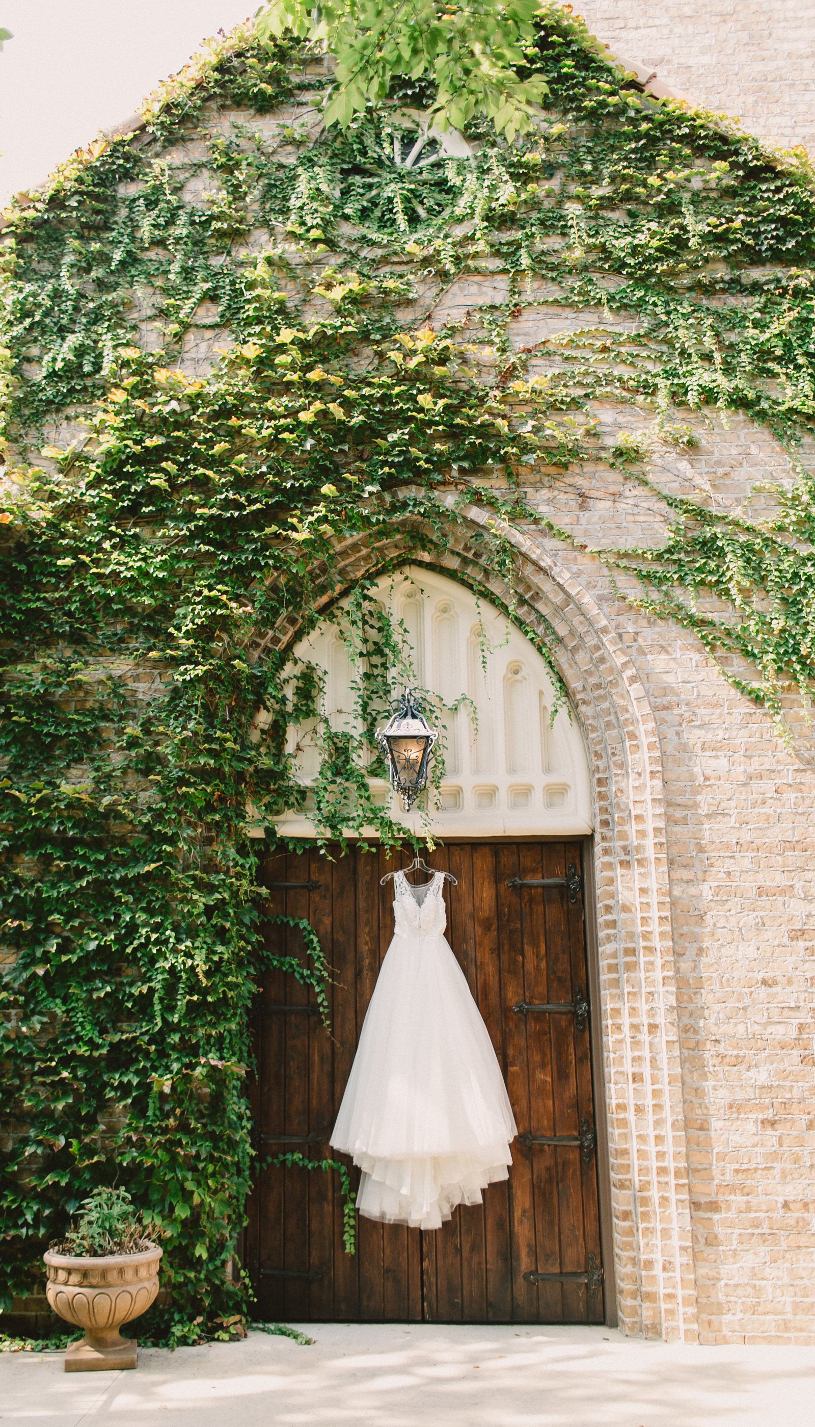 Aristide-Mansfield-_-Fort-Worth-Wedding-Photographer-_-Emily-Nicole-Photo-5