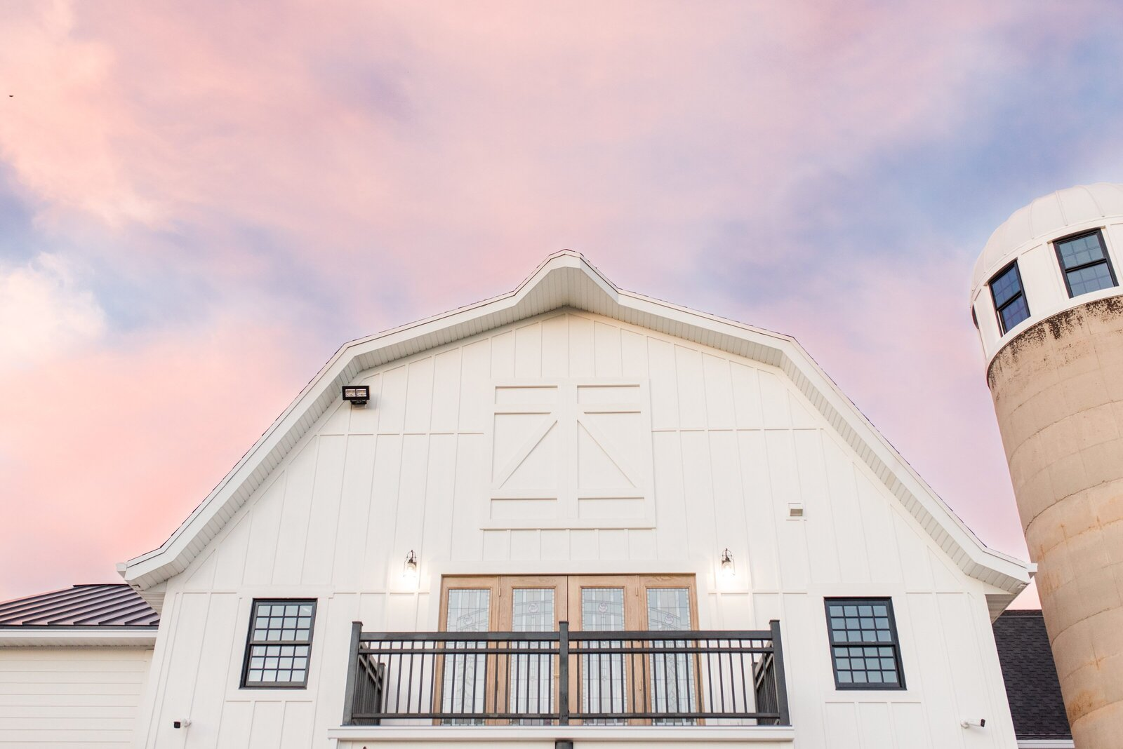 Utah Wedding Venues page | Walker Farms barn at sunset