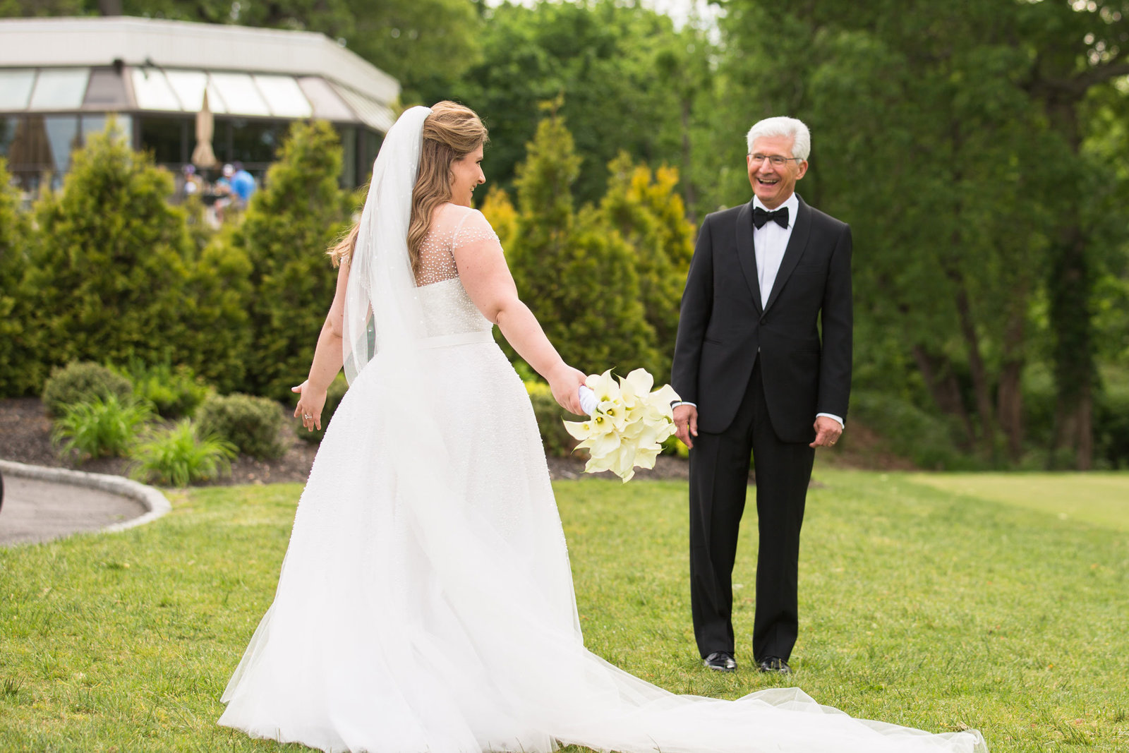 bride's first look with her father at Engineers Country Club