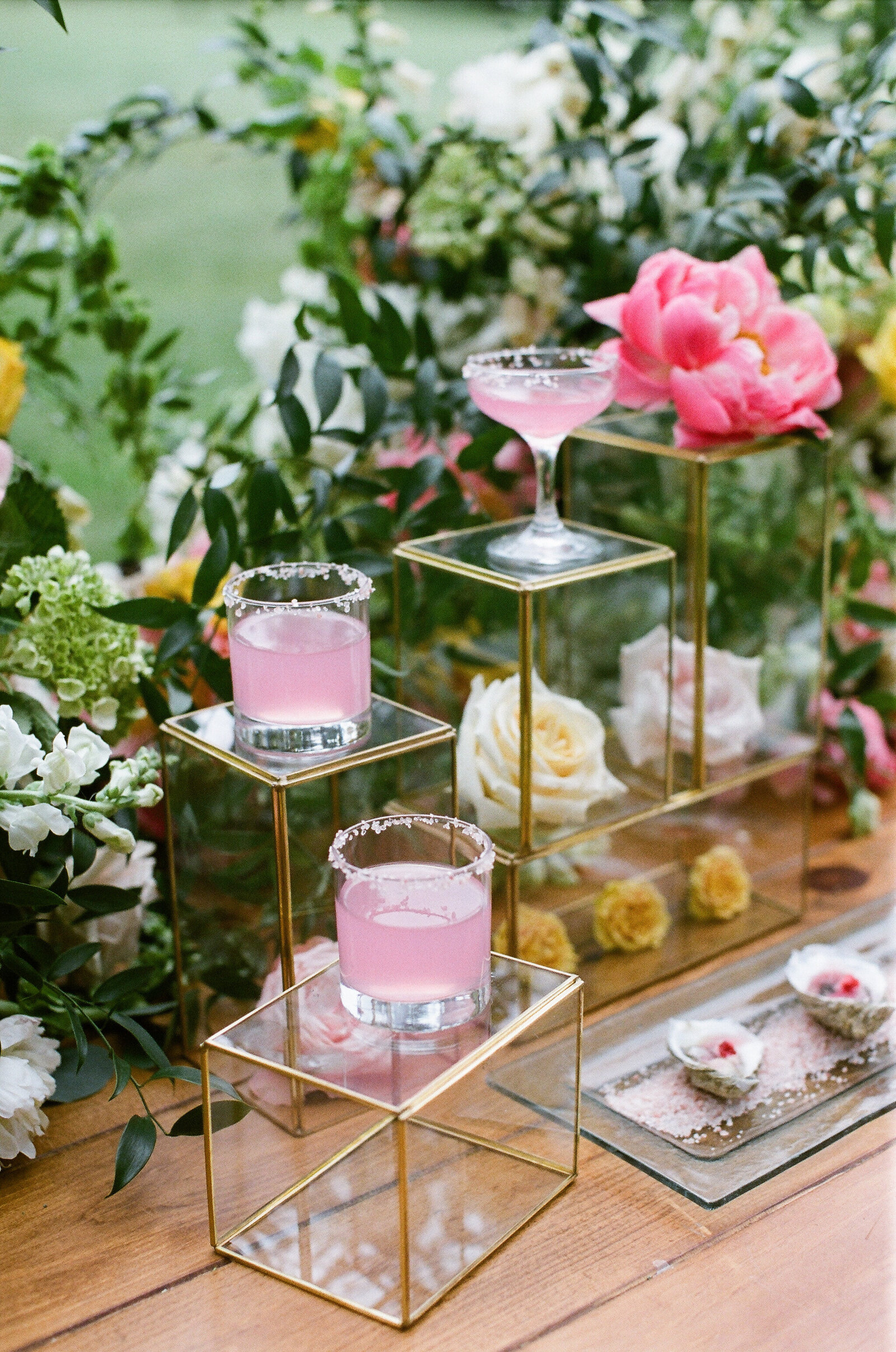 Blithewold Mansion_Newport_Rhode Island_Summer Wedding-30