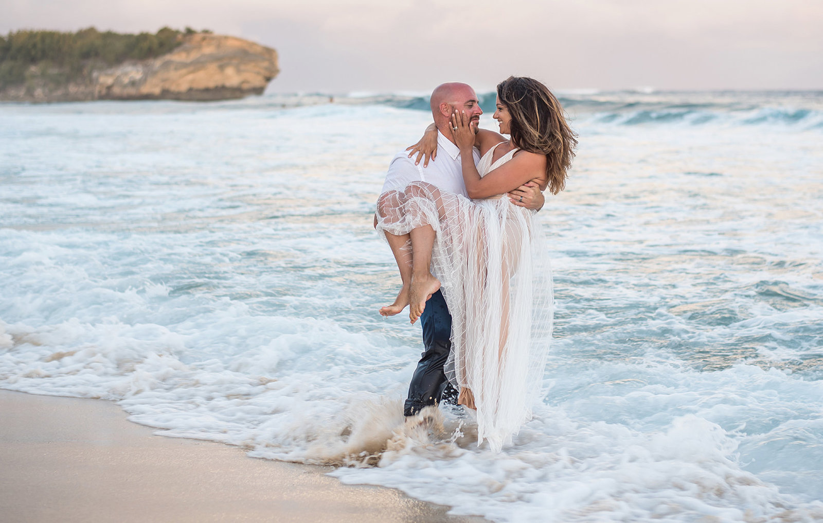 Oahu | Honolulu | Waikiki | Engagement Photographers