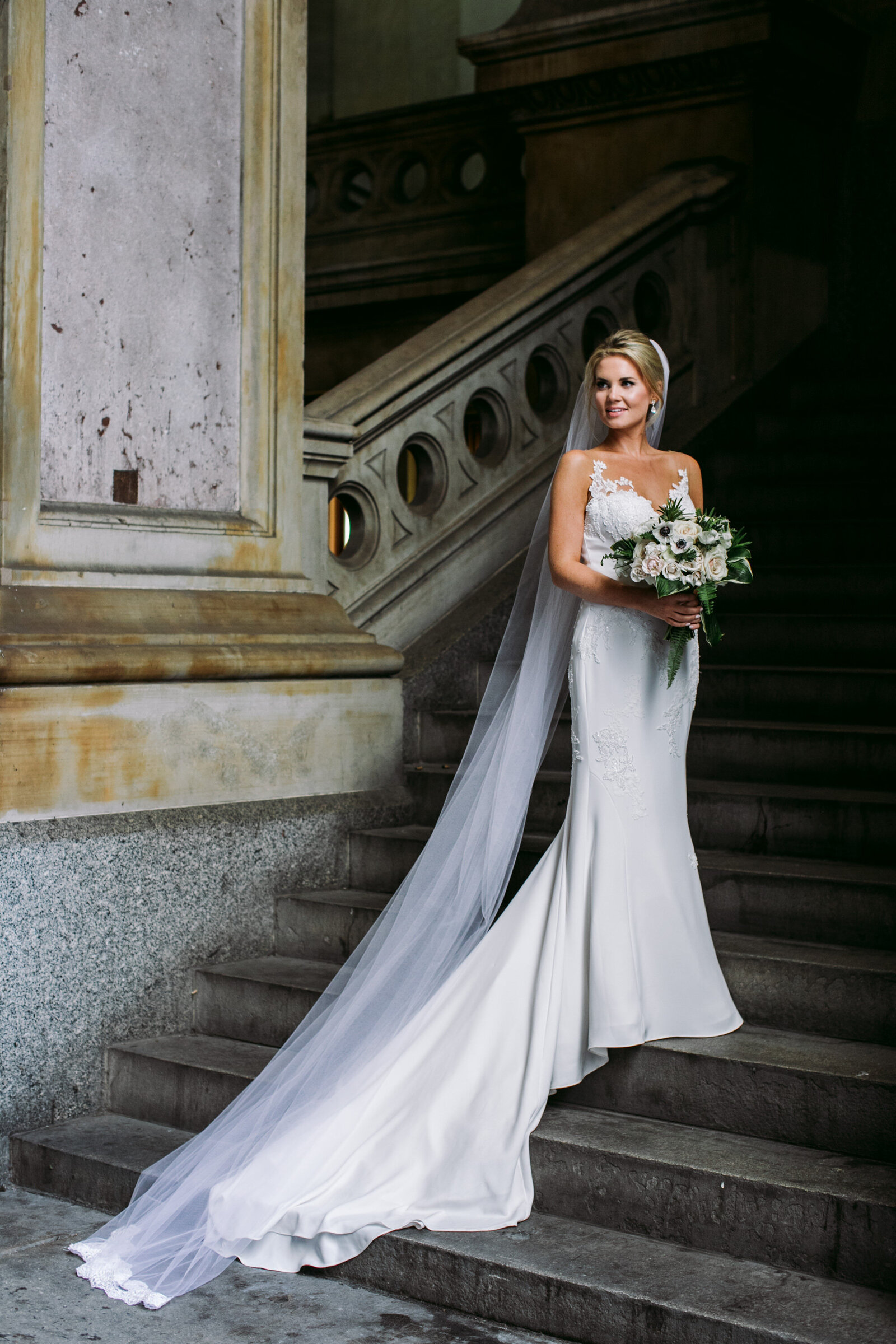 bride on stairs philadelphia city hall