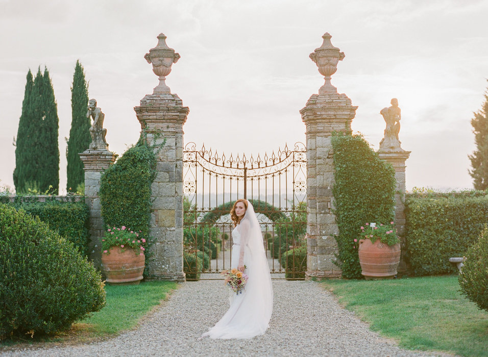 Molly-Carr-Photography-Paris-Film-Photographer-France-Wedding-Photographer-Europe-Destination-Wedding-Villa-Di-Geggiano-Siena-Tuscany-Italy-53